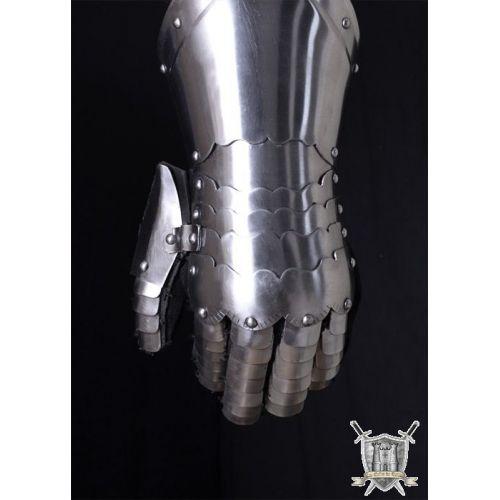Gantelets en acier avec gant cuir