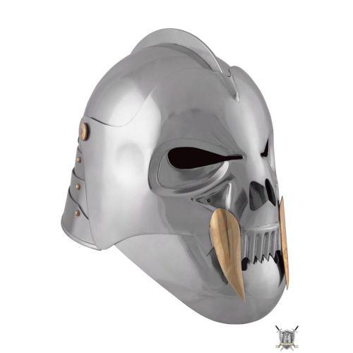Le Crâne Celeta, Casque Orc en acier