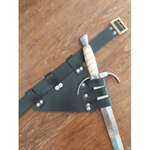 support dague main gauche cuir