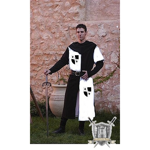 tunique d'un seigneur du moyen age